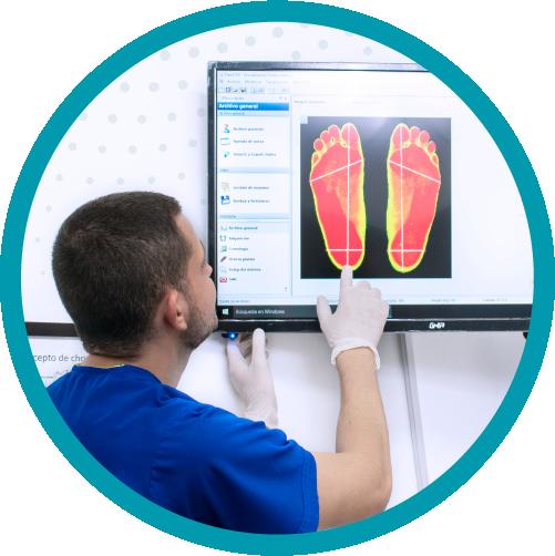 Nuestro proceso nos permite analizar a cada paciente de manera independiente y personalizada, manteniendo la calidad de los pies lo mejor posible, ayudando al portador a caminar de manera uniforme y correcta